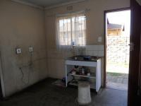 Kitchen - 5 square meters of property in Klippoortjie AH