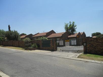 Standard Bank Repossessed 2 Bedroom Apartment For Sale in Birchleigh North - MR75532