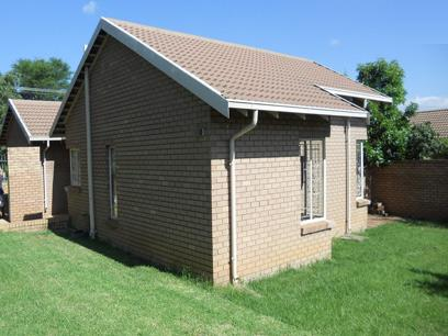 Standard Bank Repossessed 2 Bedroom House for Sale on online auction in Silverton - MR75533