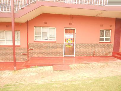Standard Bank Repossessed 1 Bedroom Apartment for Sale on online auction in Horison View - MR75534