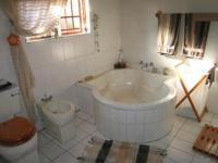 Main Bathroom - 10 square meters of property in Wapadrand