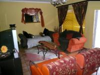Lounges - 15 square meters of property in Birchleigh North