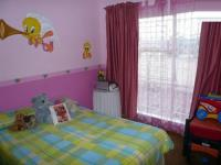 Bed Room 1 - 13 square meters of property in Birchleigh North