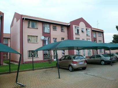 2 Bedroom Cluster For Sale in Kempton Park - Home Sell - MR77468