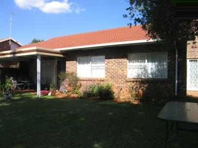 3 Bedroom Simplex For Sale in Silverton - Home Sell - MR79128