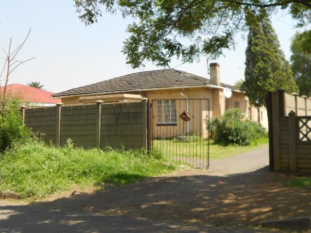 Standard Bank Repossessed 2 Bedroom House for Sale For Sale in Vereeniging - MR79459
