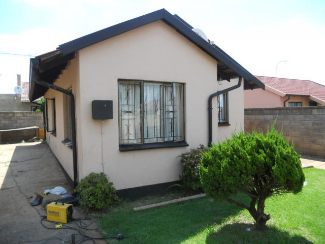 Standard Bank Repossessed 3 Bedroom House for Sale For Sale in Protea Glen - MR79464