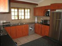 Kitchen - 12 square meters of property in Ninapark