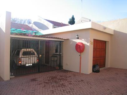 3 Bedroom Duplex For Sale in Erasmusrand - Home Sell - MR80137