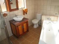 Bathroom 1 - 9 square meters of property in Garsfontein