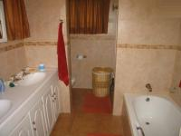 Main Bathroom - 7 square meters of property in Theresapark