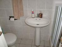 Bathroom 1 - 2 square meters