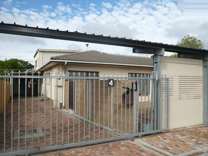 Standard Bank Repossessed 8 Bedroom House for Sale For Sale in Kuils River - MR81463