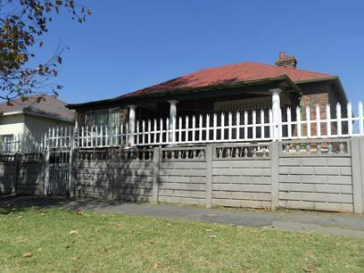 Standard Bank Repossessed 3 Bedroom House on online auction in Kenilworth - JHB - MR82450
