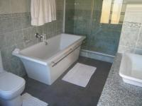 Main Bathroom - 10 square meters of property in Willow Glen