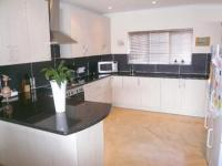 Kitchen - 44 square meters of property in Heatherdale