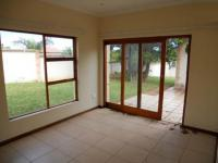 Lounges - 37 square meters of property in Uvongo