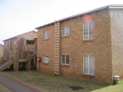 2 Bedroom Simplex For Sale in Moreletapark - Home Sell - MR85136