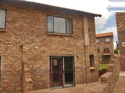 2 Bedroom Duplex for Sale For Sale in Midrand - Private Sale - MR85322