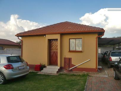 2 Bedroom House for Sale For Sale in Midrand - Private Sale - MR85324