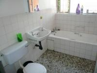 Bathroom 1 - 5 square meters of property in La Montagne