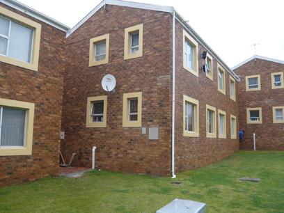 Standard Bank Repossessed 2 Bedroom Simplex for Sale For Sale in Bellville - MR85452