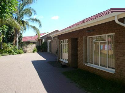 Standard Bank Repossessed 7 Bedroom House for Sale For Sale in Rustenburg - MR85537