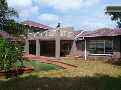 Standard Bank Repossessed 6 Bedroom House For Sale in Rooihuiskraal - MR86450