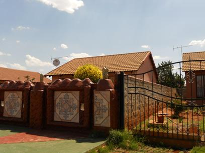 Standard Bank Repossessed 2 Bedroom House for Sale on online auction in Sebokeng - MR86455