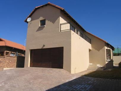 2 Bedroom House for Sale For Sale in Highveld - Private Sale - MR87132