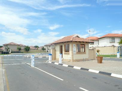 Standard Bank Repossessed 2 Bedroom House For Sale in Celtisdal - MR87453
