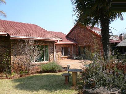 Standard Bank Repossessed 3 Bedroom House for Sale For Sale in Celtisdal - MR87458