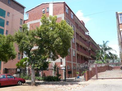 Standard Bank Repossessed 3 Bedroom Apartment for Sale For Sale in Pretoria West - MR87459