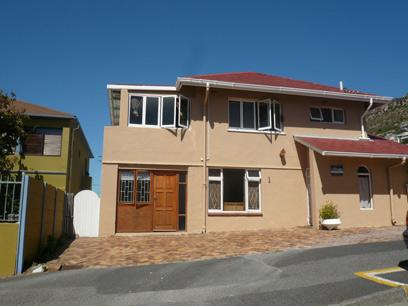 Standard Bank Repossessed 3 Bedroom House for Sale For Sale in Fish Hoek - MR88459
