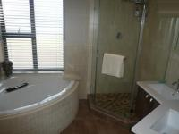 Main Bathroom - 7 square meters of property in Parklands