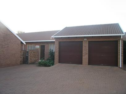 3 Bedroom Simplex For Sale in Garsfontein - Private Sale - MR90133