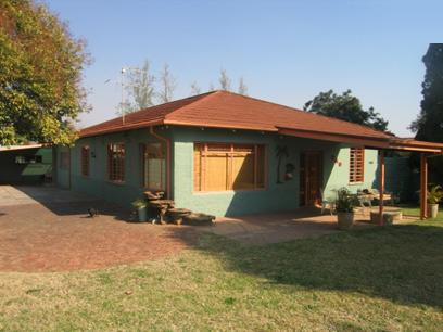 4 Bedroom House For Sale in Rietfontein - Private Sale - MR90134