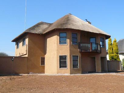 4 Bedroom House For Sale in Hartbeespoort - Home Sell - MR90375