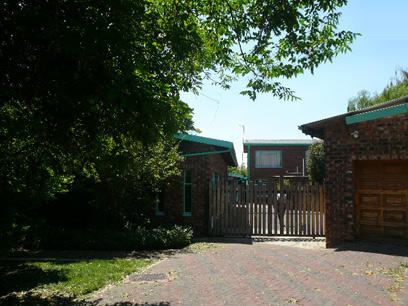 Standard Bank Repossessed 7 Bedroom House for Sale For Sale in Standerton - MR90520