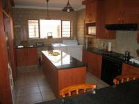 Kitchen - 20 square meters of property in Faerie Glen