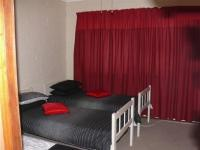 Bed Room 1 - 10 square meters of property in Gansbaai