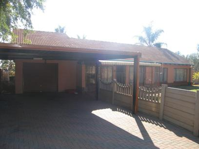 3 Bedroom House for Sale For Sale in Jan Niemand Park - Private Sale - MR93134
