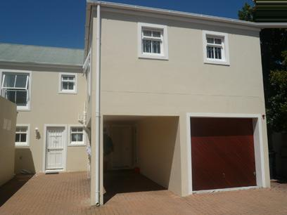 2 Bedroom Simplex For Sale in Claremont (CPT) - Private Sale - MR93320