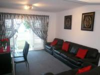 Lounges - 35 square meters of property in Rondebosch East