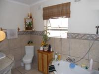Bathroom 3+ - 15 square meters of property in Amanzimtoti