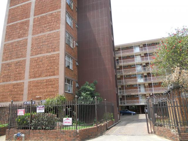 Standard Bank Repossessed 2 Bedroom Apartment for Sale on online auction in Sunnyside - MR93466