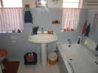 Main Bathroom - 7 square meters of property in Chantelle