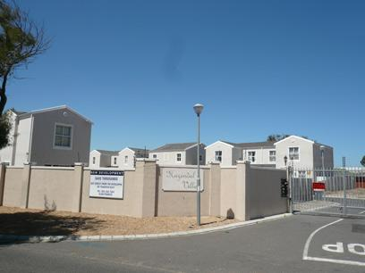Standard Bank Repossessed 3 Bedroom House for Sale For Sale in Athlone - CPT - MR94451