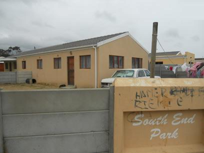 Standard Bank Repossessed 3 Bedroom Simplex for Sale For Sale in Strand - MR94452