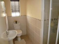 Main Bathroom - 3 square meters of property in Celtisdal